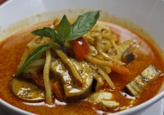 Gaeng-Dang (Red Curry)